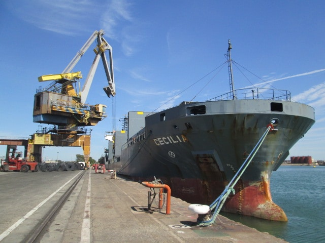 Bunker survey, condition survey on hire & off hire de navires affretes